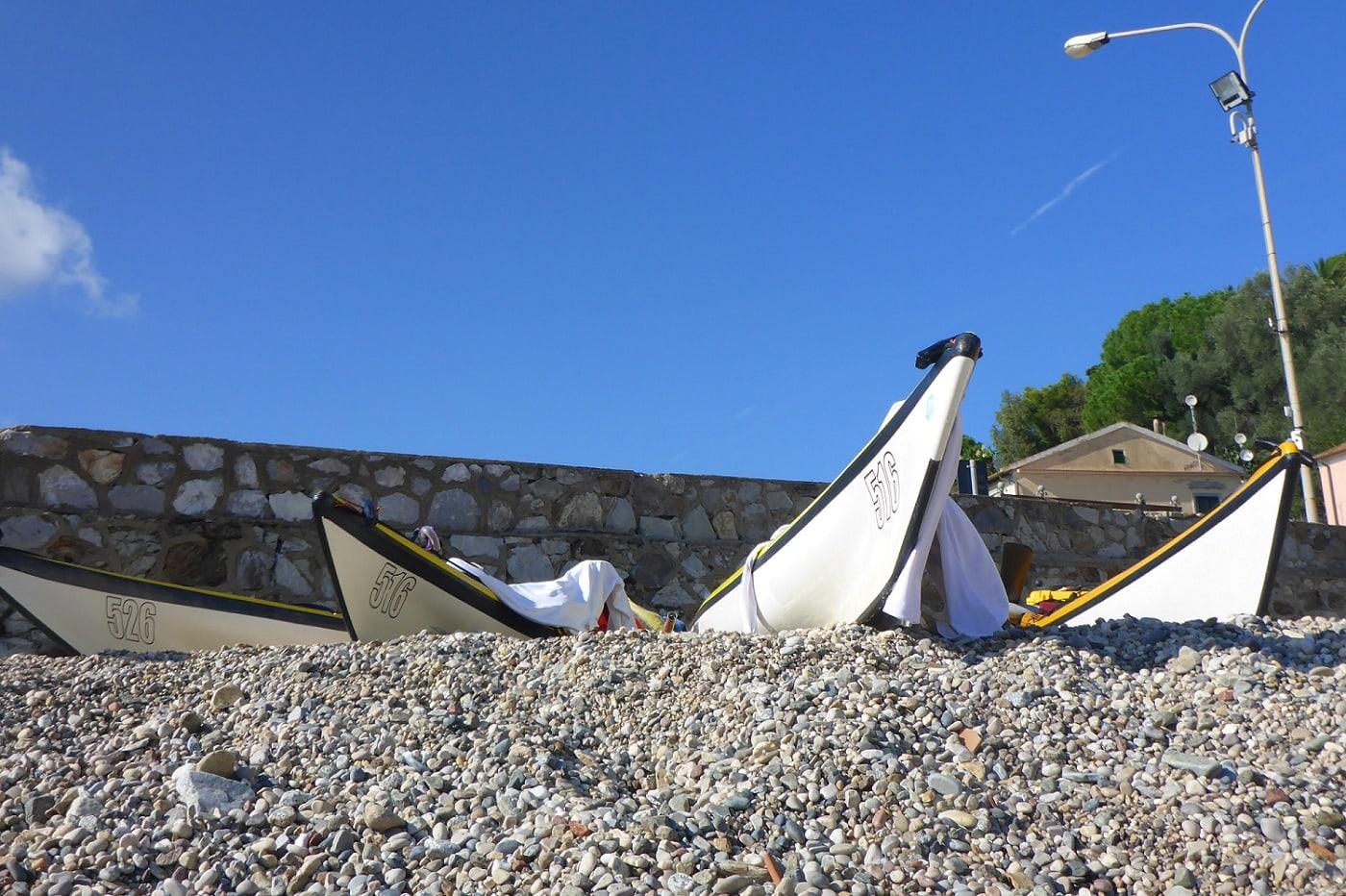 Seekajaks am Strand von Porto Azzurro