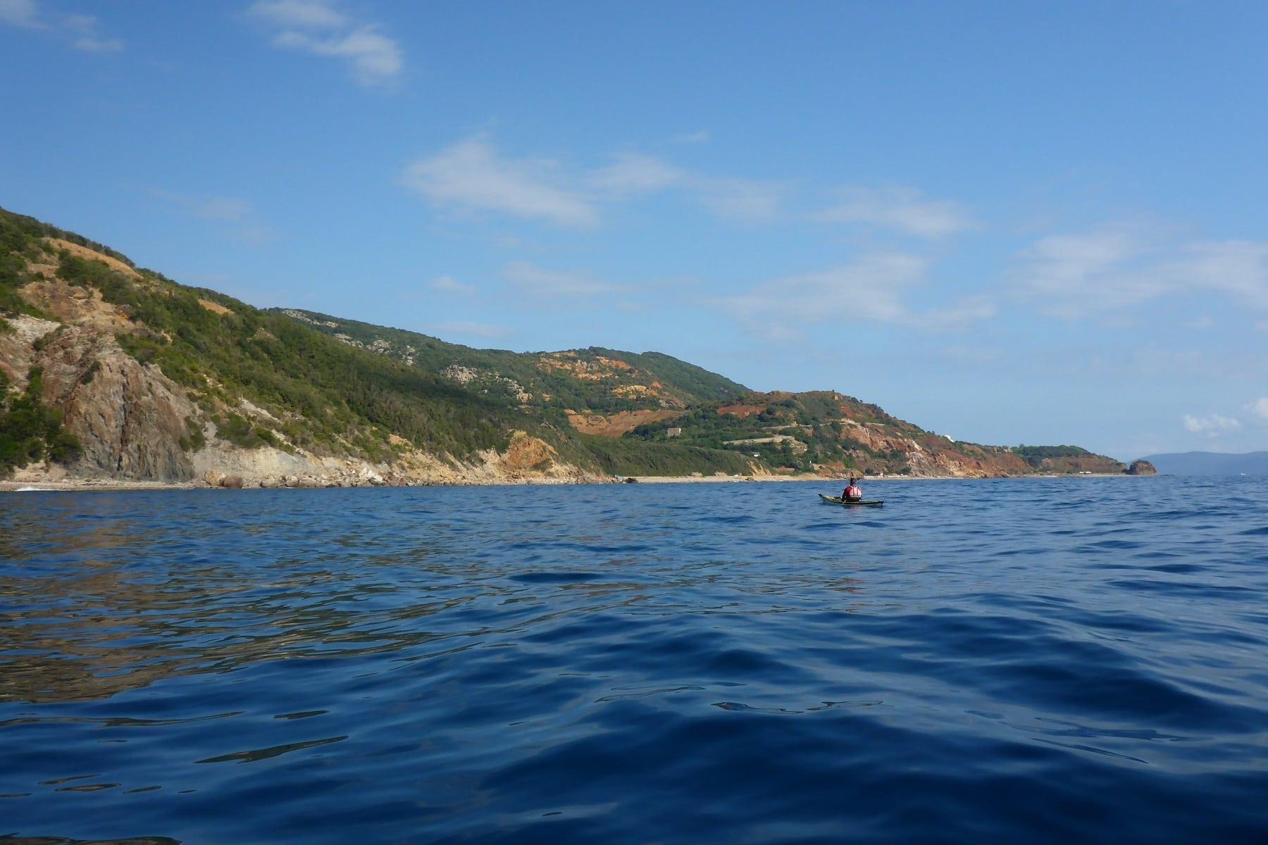 mit dem Seekajak an der Ostkueste Elbas